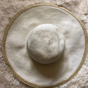 Accessories - White & Cream Sunhat